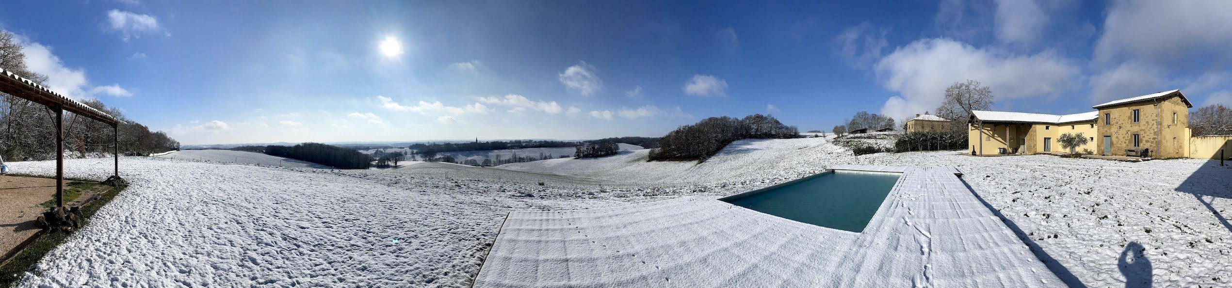 Maison vivre plus in de sneeuw