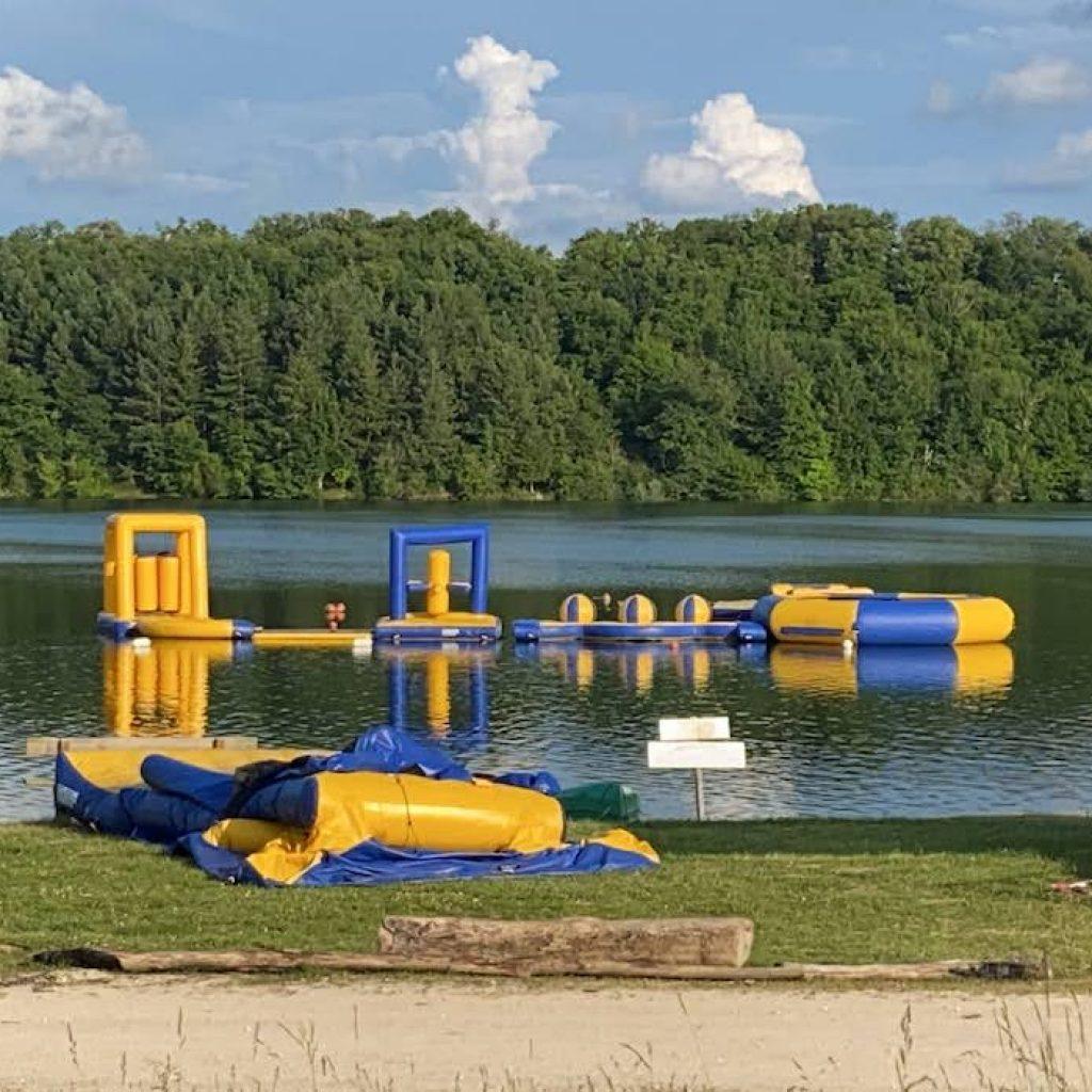 Lac-de-Gimone-opbouw waterparcours